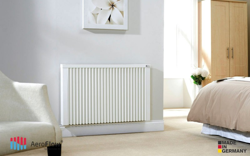 Panel calefactor AeroFlow Midi 1950 W - es tan silencioso que puedes usarlo en tu dormitorio.